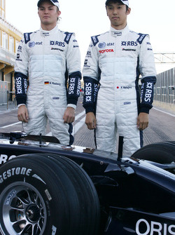 Williams F1 Team photoshoot: Nico Rosberg, WilliamsF1 Team and Kazuki Nakajima, Williams F1 Team