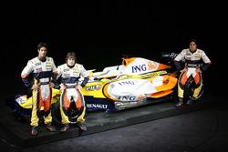 Fernando Alonso, Renault F1 Team, Nelson A. Piquet, Renault F1 Team, Lucas Di Grassi, Test Driver, Renault F1 Team