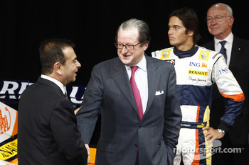 Carlos Ghosn, Chairman of Renault, with Michel Tilmant, Chairman Executive Board of ING Group, Nelson A, Piquet and Bernard Rey, Renault F1 Team President