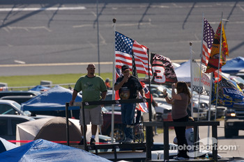 Daytona fans ready for the first practice session