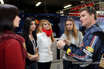 David Coulthard with the lovely Formula Unas girls
