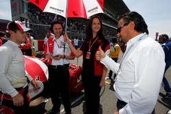 Anthony Davidson Super Aguri F1, Richard Lane Super F1 Race Engineer, Emma Buxton, Super Aguri F1 Team Press Officer and Franz Josef Weigl, Weigl Group GmbH