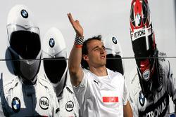 Robert Kubica, BMW Sauber F1 Team plays football