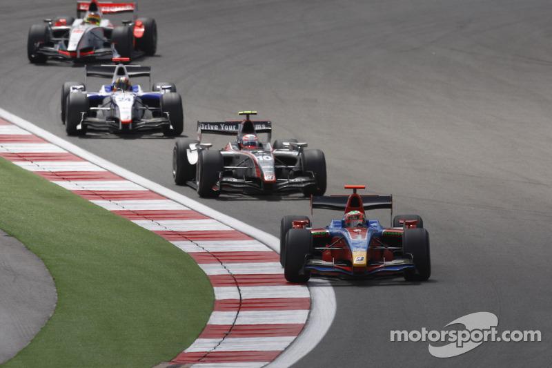 Bruno Senna leads Kamui Kobayashi