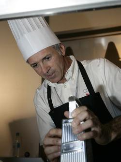 Rinaldo Capello cooks for the media