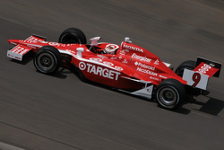 Scott Dixon on his first qualification attempt