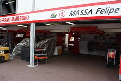 Felipe Massa, Scuderia Ferrari, empty garage