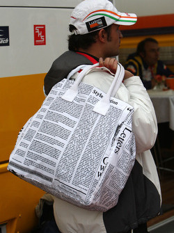Vitantonio Liuzzi, Test Driver, Force India F1 Team with his bag