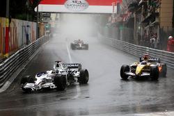 Nick Heidfeld, BMW Sauber F1 Team leads Fernando Alonso, Renault F1 Team