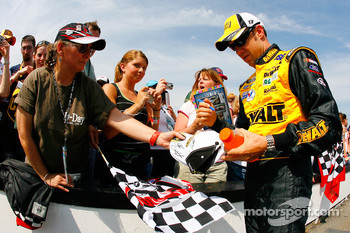 Matt Kenseth signs autographs