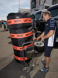Williams F1 Team member at work