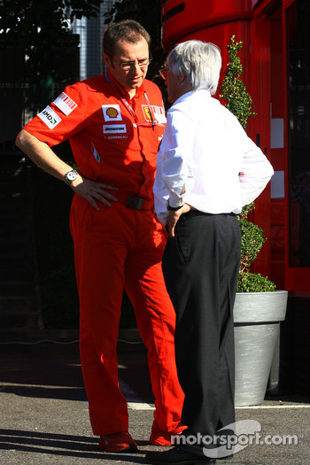 Stefano Domenicali, Scuderia Ferrari Sporting Director, Gerhard Berger, Scuderia Toro Rosso, 50% Team Co Owner