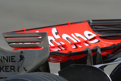 McLaren Mercedes, MP4-23, Rear wing