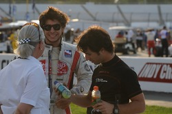 Mario Moraes and Bruno Junqueira chatting with Tony Kanaan's manager