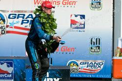 Ryan Hunter-Reay sprays champagne