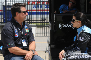 Michael Andretti talking with Danica Patrick