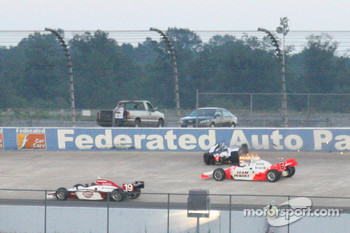 Marco Andretti and Ryan Briscoe crash