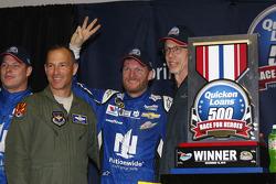 Winner Dale Earnhardt Jr., Hendrick Motorsports Chevrolet