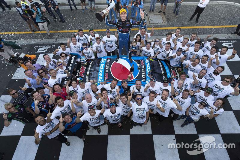 6. 2015 V8 Supercars Champion Mark Winterbottom, Prodrive Racing Australia Ford celebrates with his team