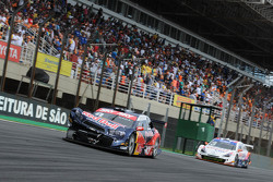 Bad luck for Cacá Bueno at Interlagos