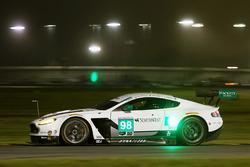 阿斯顿马丁车队98号阿斯顿马丁Vantage GT3:保罗·德拉·拉纳、佩德罗·拉米、马蒂亚斯·劳达、里奇·斯坦纳威