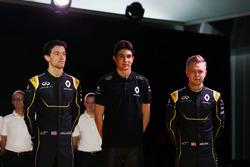 (L to R): Jolyon Palmer, Renault F1 Team with Esteban Ocon, Renault F1 Team Test Driver and Kevin Magnussen, Renault F1 Team