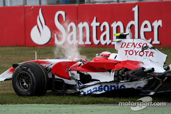 Timo Glock, Toyota F1 Team, TF108, crashed