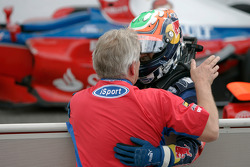 Karun Chandhok celebrates victory with Paul Jackson, iSport International Team Principal