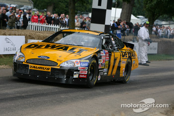 Barry Lee, 2003 Ford Taurus (ex Matt Kenseth)