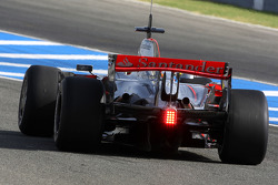 Pedro de la Rosa, Test Driver, McLaren Mercedes, MP4-23, on slick tyres