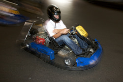 Drivers and media go-kart event: Scott Wimmer heads to track