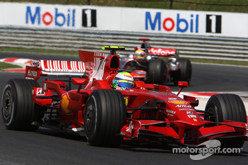 Felipe Massa, Scuderia Ferrari, F2008 leads Lewis Hamilton, McLaren Mercedes, MP4-23