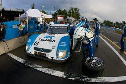 Pit stop for #01 Chip Ganassi Racing with Felix Sabates Lexus Riley: Scott Pruett, Memo Rojas