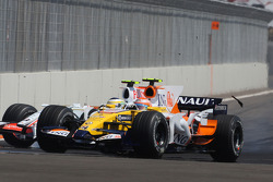 Nelson A. Piquet, Renault F1 Team, R28, Giancarlo Fisichella, Force India F1 Team, VJM-01