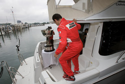 IndyCar Series 2008 contenders photoshoot: Helio Castroneves gets on board the boat