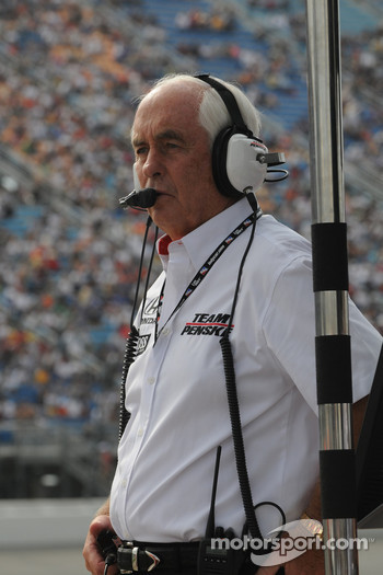 Roger Penske watches his boys run