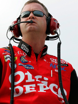 Bob Osborne, crew chief for Carl Edwards