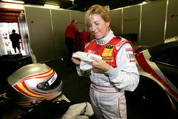 Maria de Villota tests the Audi A4 DTM