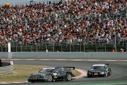 Paul di Resta, Team HWA AMG Mercedes, AMG Mercedes C-Klasse leads Timo Scheider, Audi Sport Team Abt, Audi A4 DTM