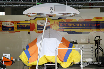 The pit garage of Fernando Alonso, Renault F1 Team