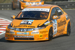 Gordon Shedden leads Tom Chilton