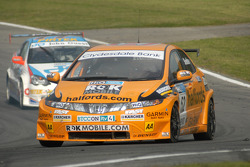 Gordon Shedden leads Mike Jordan