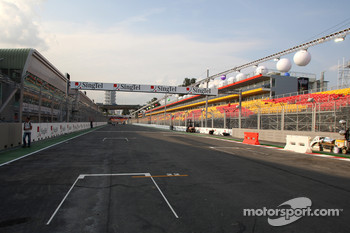 The Grid and Start and Finish straight