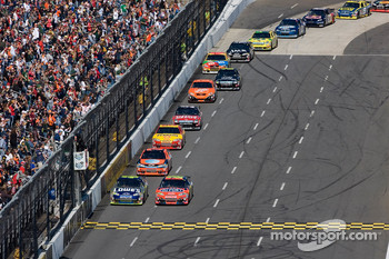 Jimmie Johnson and Jeff Gordon lead the field