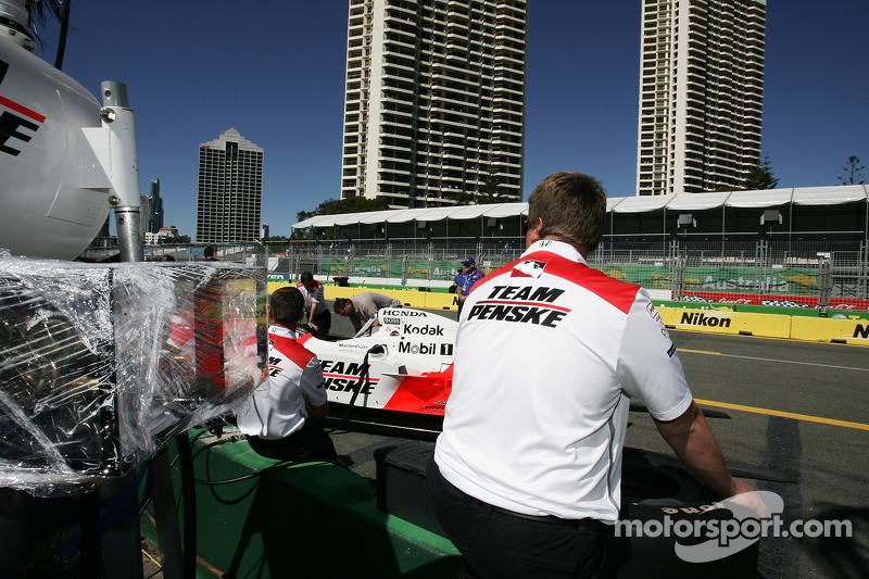 Team Penske crew look on