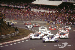 Start: Jacky Ickx;Derek Bell takes the lead in front of Jochen Mass;Vern Schuppan