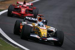 Fernando Alonso, Renault F1 Team, Kimi Raikkonen, Scuderia Ferrari