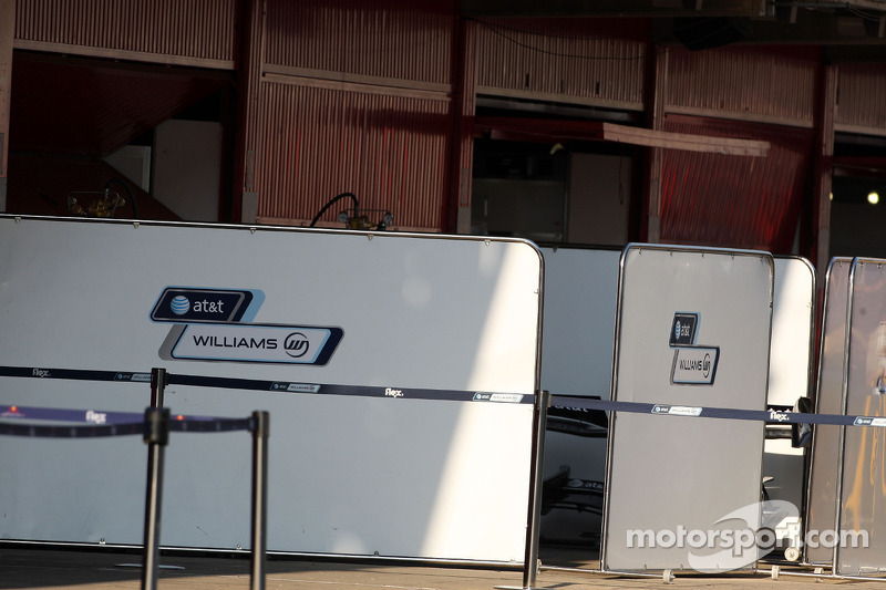 WilliamsF1 Team work behind the barriers