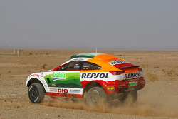 Repsol Mitsubishi Ralliart Team: Luc Alphand and Gilles Picard test the Mitsubishi Racing Lancer in Morocco
