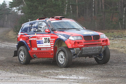 X-raid team: Leonid Novitskiy and Oleg Tuypenkin test the #316 BMW X3 CC